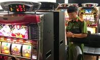 Phá 2 tụ điểm đánh bạc chuyên phục vụ khách nước ngoài
