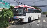 Xe khách 45 chỗ tông xe limousine, nhiều người bị thương