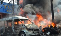 Cháy cơ sơ lốp xe ôtô, khói bao trùm cả khu công nghiệp