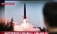 Triều Tiên lại bắn 2 tên lửa ra biển