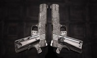 Khẩu súng làm từ thiên thạch được rao bán giá 35 tỷ đồng