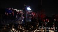 Xe tải cháy rụi gần trạm thu phí ở Sài Gòn