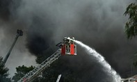 Đốt rác gây cháy chợ lớn nhất của người Việt ở Đức