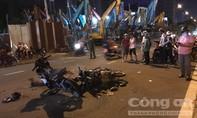 Xe máy tông nhau kinh hoàng ở Sài Gòn, 2 người thương vong