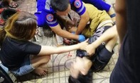 """Vụ xe Mercedes """"lùa"""" nhiều xe máy ở Sài Gòn: 9 người đi cấp cứu, 4 người bị nặng"""