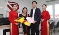 Địa ốc Đất Việt bàn giao sổ đỏ cho khách hàng trước thời hạn