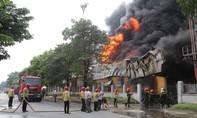Cháy khủng khiếp, hơn 1.000 mét vuông nhà xưởng bị thiêu rụi