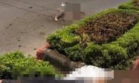 Xe máy chở 5 thanh thiếu niên tông giải phân cách, 4 người tử vong