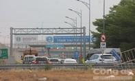 Hàng loạt trụ hàng rào trên cao tốc HLD bị mất trộm