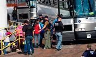 Gần 700 người nhập cư trái phép bị bắt trong một ngày tại Mỹ
