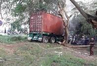 Lái xe container chết cháy trong cabin sau tai nạn