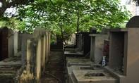 Phát hiện một công nhân chết bất thường tại nghĩa trang