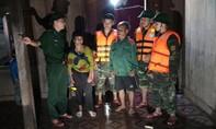 Nỗ lực giúp người dân Quảng Trị chống chọi mưa lũ
