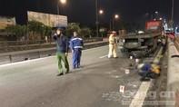 Chạy lên cầu vượt Tân Thới Hiệp, một người bị xe container cán chết