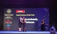 """Techcombank được trao giải thưởng """"Dịch vụ Bảo hiểm ngân hàng tốt nhất"""""""