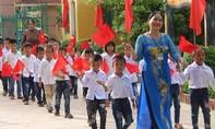 Lễ khai giảng muộn cho hàng vạn học sinh ở Hà Tĩnh, Quảng Bình