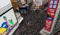 """Dân Hong Kong """"khởi động"""" năm 2020 bằng đợt biểu tình rầm rộ"""