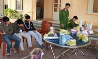 Bắt quả tang 3 học sinh chế tạo pháo nổ để bán