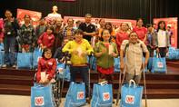 TP.HCM: Trao 2.000 phần quà Tết cho người khuyết tật và trẻ mồ côi