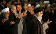 Lãnh tụ tối cao Iran chủ trì thánh lễ với binh sĩ trong bối cảnh biến động