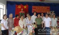 Báo CATP và nhà tài trợ trao 700 phần quà Tết cho người nghèo ĐBSCL