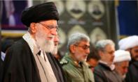 Lãnh tụ tối cao Iran rơi nước mắt đưa tiễn tướng Qassem Soleimani