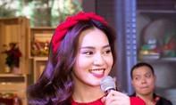 Nhan sắc Việt rực rỡ trong Lễ hội Tết 2020