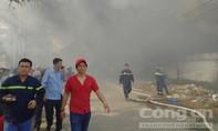 Cháy công ty gỗ ở Bình Dương, gần 5.000 m2 nhà xưởng đổ sập