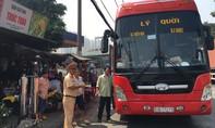 CSGT Công an TPHCM ra quân kiểm tra xe khách trên QL1A