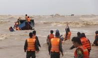 Thi thể không quần áo trôi dạt vào bờ biển là thuyền viên tàu bị nạn
