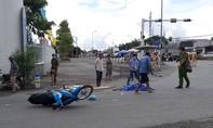 Người đàn ông đi xe máy tử vong thương tâm sau va chạm với xe tải