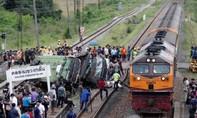 Ít nhất 20 người thiệt mạng sau khi tàu hỏa tông xe buýt ở Thái Lan