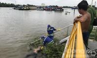 Đang đánh răng, chủ sà lan tá hỏa phát hiện xác người dưới sông Sài Gòn