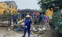 Hội An ngập rác, bùn non sau trận lũ