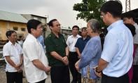 Bí thư Thành ủy Nguyễn Văn Nên đi khảo sát các điểm ngập nặng