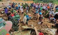 An táng tập thể 8 người của 3 gia đình ở xã Trà Vân