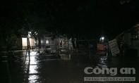 Phong toả cầu Bà Lúa trong đêm do ngập nặng sau mưa lớn