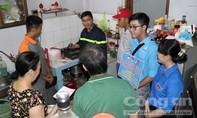 TPHCM: Cảnh sát đến từng nhà nhắc nhở bà con an toàn PCCC