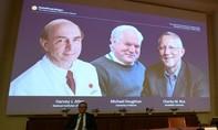 Nobel Y sinh trao cho bộ ba nhà khoa học tìm ra virus viêm gan C