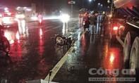 Người đàn ông chạy xe máy gặp nạn tử vong trong cơn mưa lớn