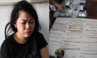"""Nữ quái """"bấm"""" gần 50 dây chuyền tại lễ hội ở Tòa thánh Tây Ninh"""