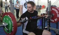 Nhà vô địch cử tạ Armenian tử vong vì chiến sự