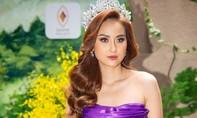 Hoa hậu Khánh Ngân yêu kiều sắc tím
