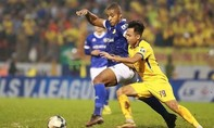 Nam Định trụ lại V-League sau trận hòa 1-1