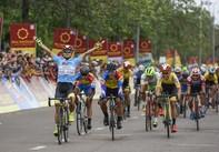 Loic Desriac đoạt áo vàng chung cuộc, đội TPHCM Vinama vô địch