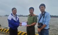 Báo Công an TPHCM tiếp tục trao quà cho bà con tại Quảng Nam