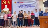 CBNV Vietbank đồng lòng chia sẻ với miền Trung những ngày bão lũ