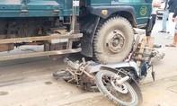 Tai nạn liên hoàn trước cổng bệnh viện, 4 xe hư hỏng nặng