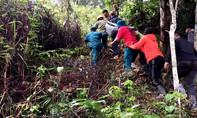 Vượt 20km đường đồi núi sạt lở, đưa phụ nữ động thai đi cấp cứu