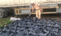 Phát hiện xe container chở gần 500 chai rượu Chivas 21 nhập lậu